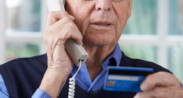 Зачем мошенники звонят и сбрасывают: в чем смысл, что делать